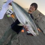 10月4日 ブリ ハマチ ペンペン 太刀魚 ロウニンアジ カワハギ グレ イシガキ